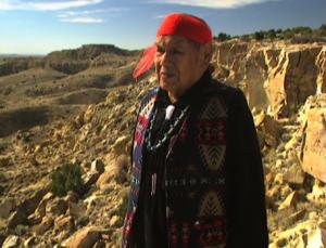 Thomas Banyacya speaks in Chaco Canyon